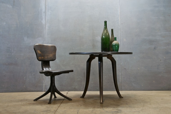 table et chaise industrielle bande transporteuse caoutchouc. Black Bedroom Furniture Sets. Home Design Ideas