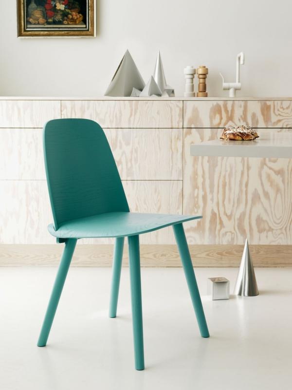 chaises-industrielles-une-chaise-verte