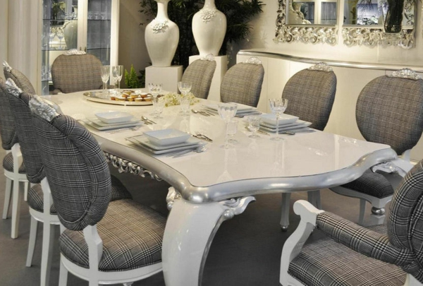 Design de chaise m daillon for Chaise medaillon moderne