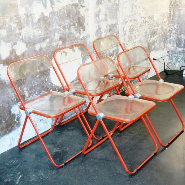 chaises-pliantes-chaises-originelles-en-acrylique-et-acier