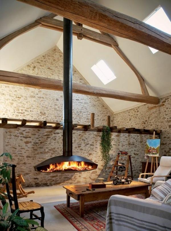 cheminée-suspendue-dans-une-chambre-attique