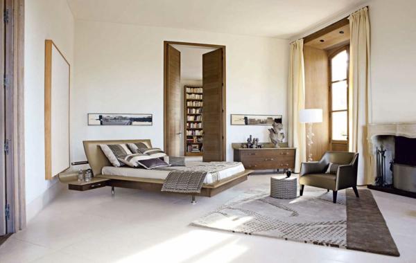 chevet-suspendu-fauteuil-en-cuir-et-une-grande-fenêtre