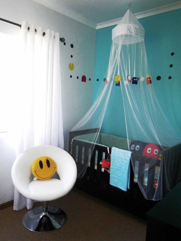 ciel-de-lit-bébé-voilage-transparent