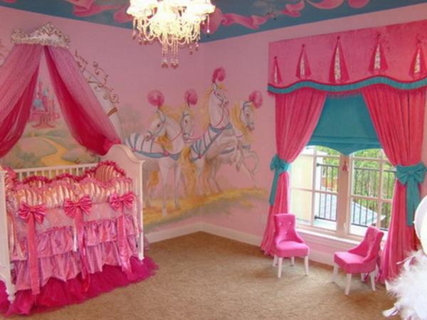 ciel-de-lit-bébé-intérieur-rose