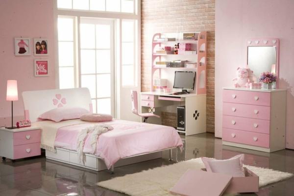 commode-coiffeuse-chambre-de-fille-en-rose