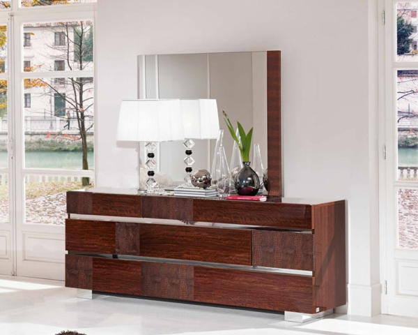 la commode coiffeuse vous offre un confort pratique. Black Bedroom Furniture Sets. Home Design Ideas