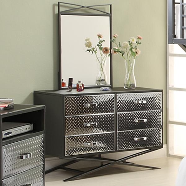 ... le confort de deux meubles – une table et un meuble de rangement