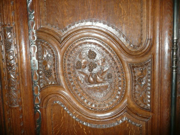 cool-armoire-normande