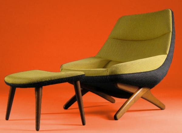 cool-fauteuil-futuriste-en-couleur-moutard-en-combinasion-ave-noir