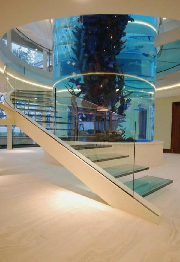 L 39 aquarium meuble dans la d co - Meuble en forme d escalier ...
