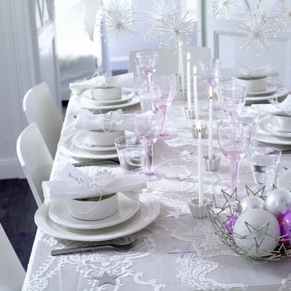 Blanche d co de table de no l 50 id es for Idee deco table de noel