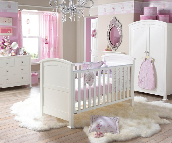 décoration-de-chambre-bébé-fille-3-resized