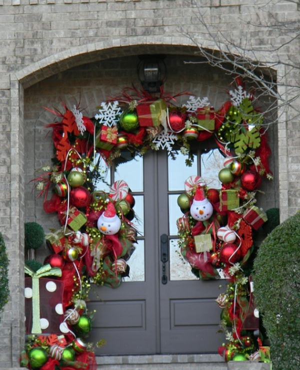 engaging-best-christmas-ornaments-with-doors-design-resized