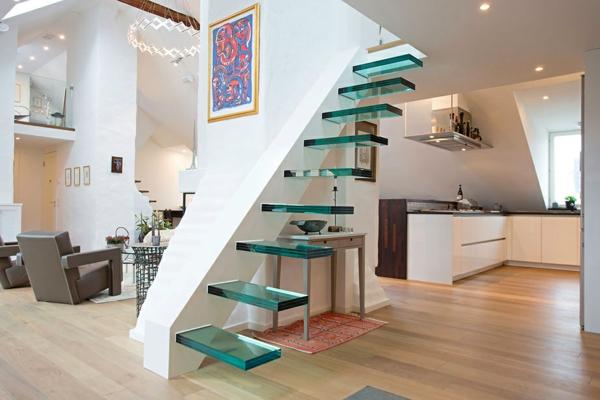 escalier-flottant-en-verre-peinture-en-couleurs-vives-mobilier-contemporain