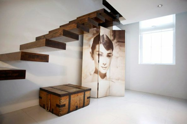 escalier-flottant-et-Audrey-Hepburn