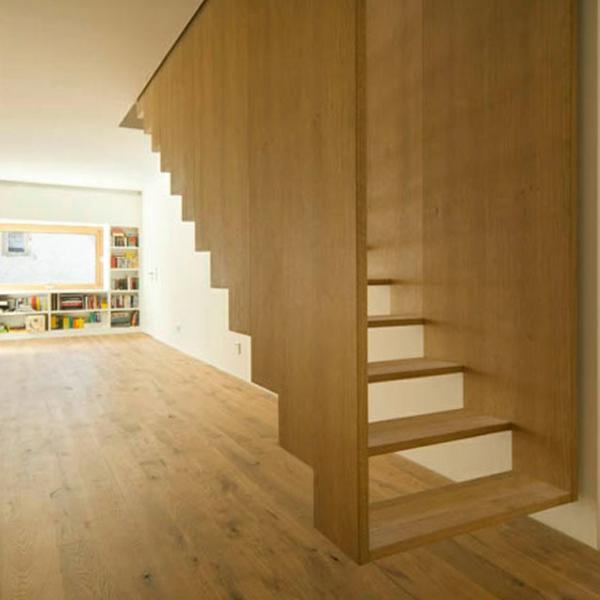 escalier-flottant-unique-en-bois