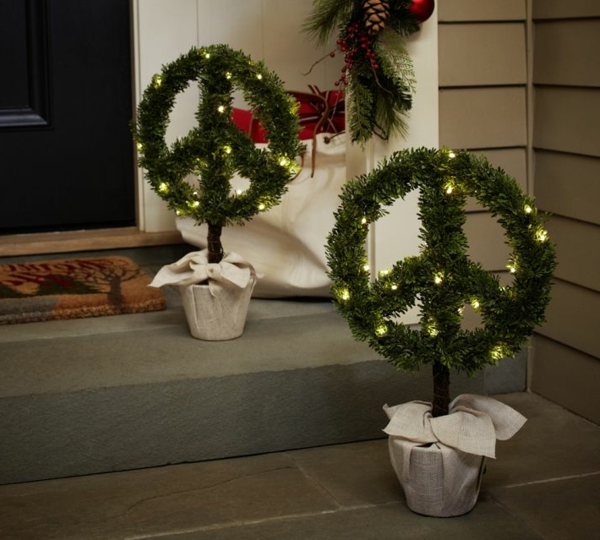 exterior-designs-unique-christmas-exterior-decoration-ideas-with-awesome-peace-wreath-topiaries-plus-nice-led-lights-joyful-festive-outdoor-christmas-decorations-resized