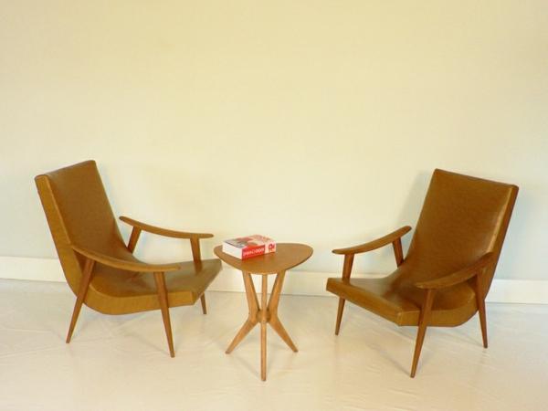 fauteuil-boomerang-design-scandinave-en-beige-actuel