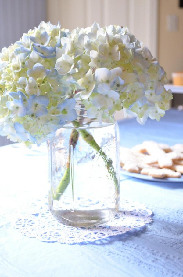 fleurs-comme-décoration-de-baptême