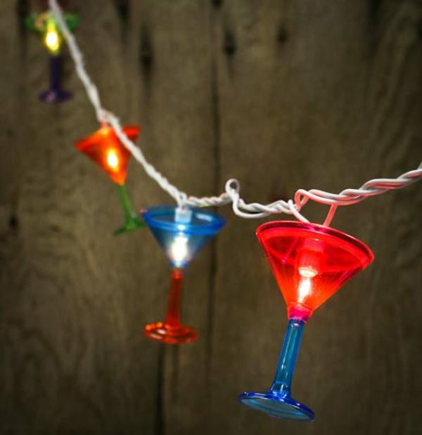 guirlande-lumineuse-d' extérieur-déco-créative-de-verres-à-martini