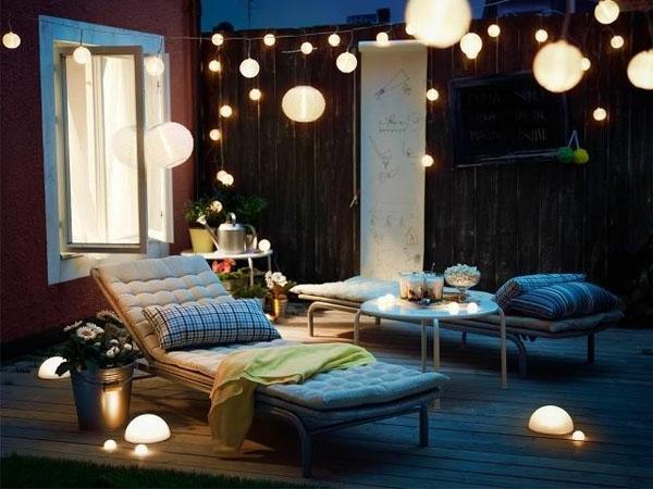 guirlande-lumineuse-d' extérieur-décoration-de-boules-pendantes