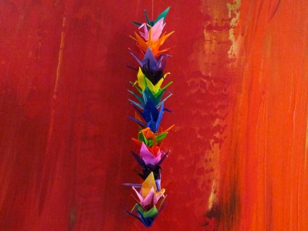 guirlande-origami-éléments-en-papier-coloré
