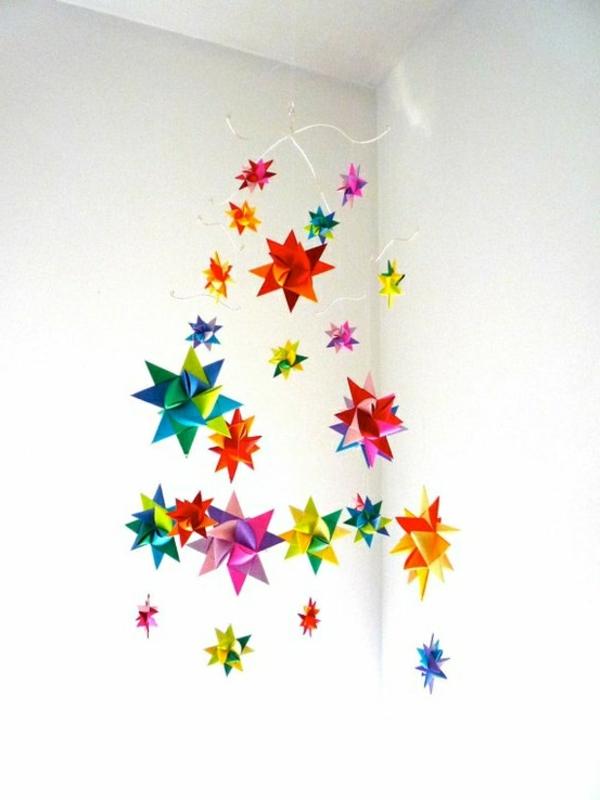 Maison Contemporaine Bois Bretagne : La guirlande origami est une déco chouette pour vos intérieurs