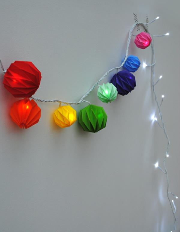 guirlande-origami-globes-en-papier-luminants