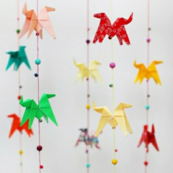 La guirlande origami est une d co chouette pour vos int rieurs for Guirlande lumineuse chambre enfant