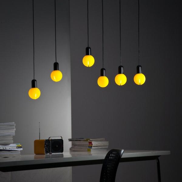 ampoule en jaune