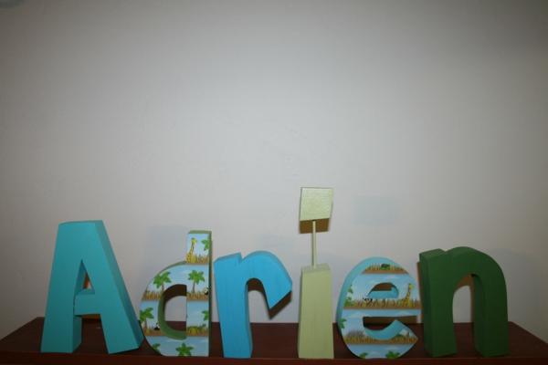 lettres-décoratives-décoration-de-chambre-bébé