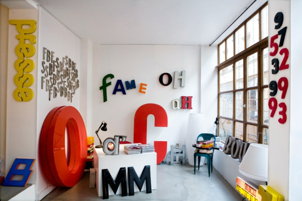 les lettres d 233 coratives dans l int 233 rieur moderne archzine fr how to decorate with diy marquee letters blissfully domestic