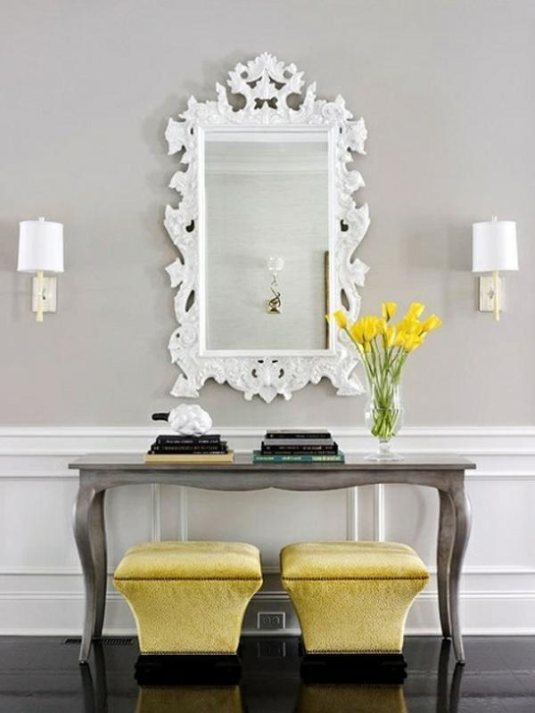 meuble-console-d' entrée-apparence-classique-et-miroir-à-l'encadrement-blanc