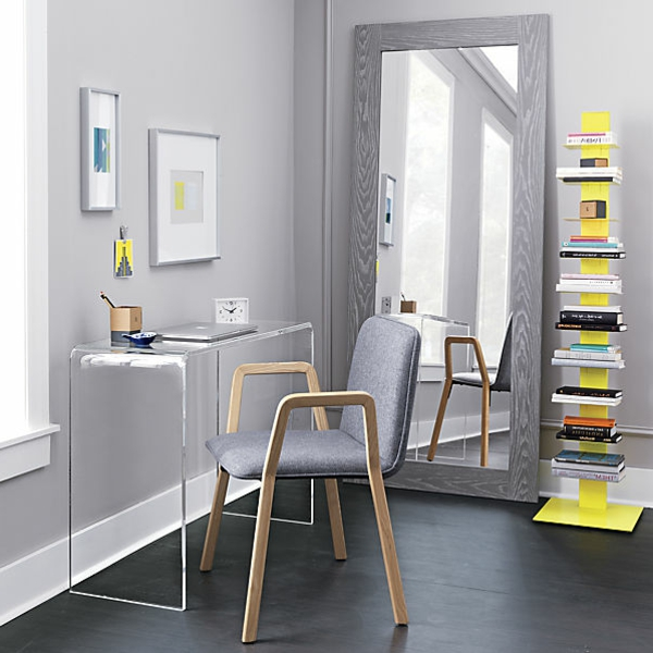 un meuble console moderne minimaliste, intérieur gris, grand miroir ...