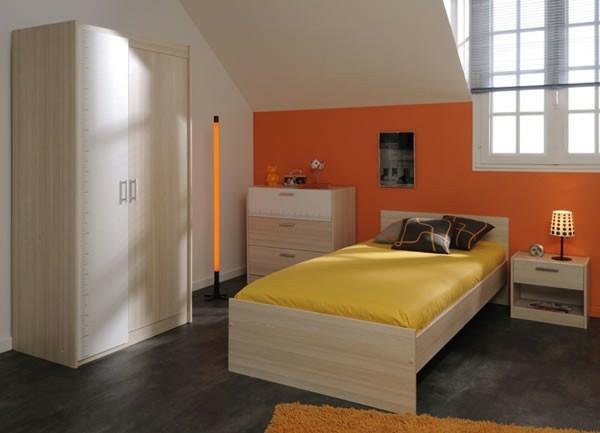 meubles-parisot-un-mur-orange-petit-meuble-de-chevet