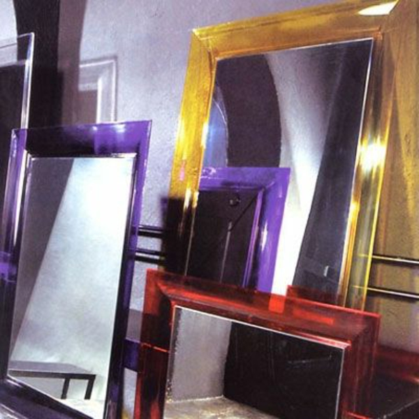 miroir-kartell-encadrements-colorés