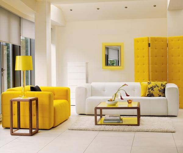 miroir-kartell-intérieur-magnifique-aménagement-jaune