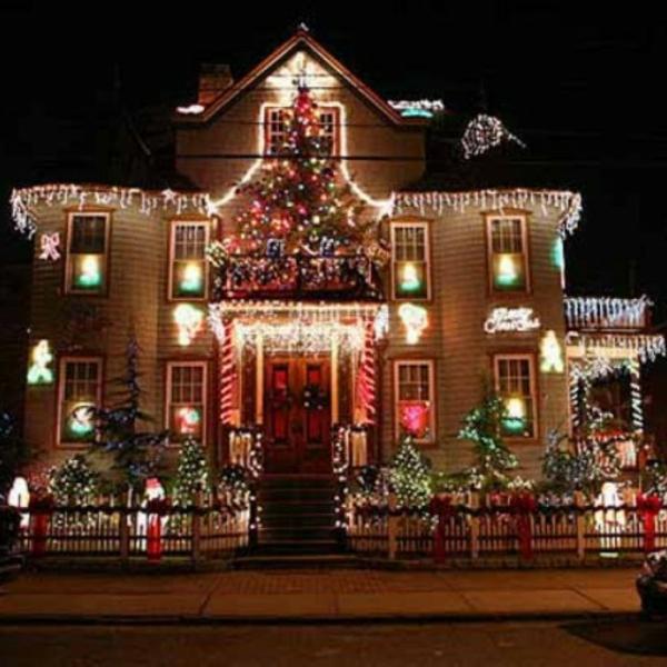night-outdoor-christmas-decoration-ideas-54068bf205c37-500x500-resized
