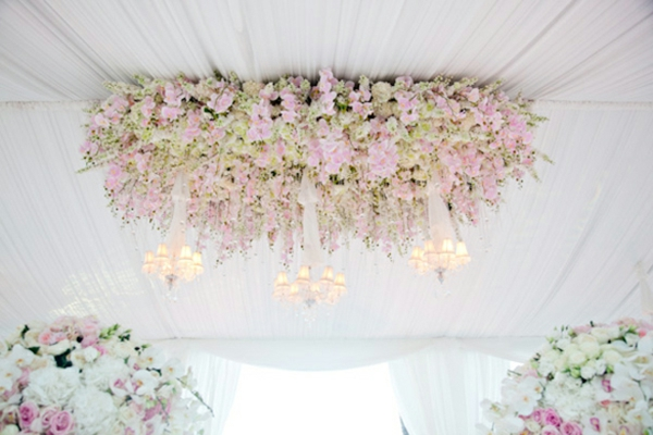 plafond-décoration-floral-de-mariage