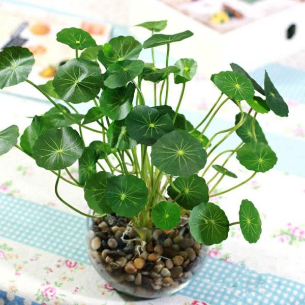 plantes-artificielles-déco-avec-une-plante-verte