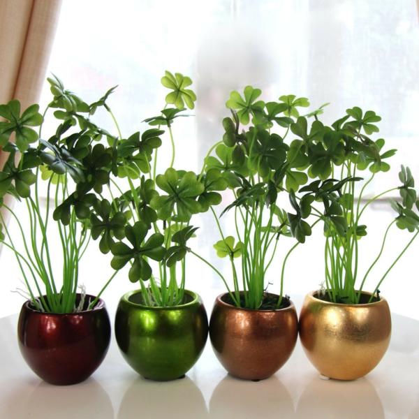 plantes-artificielles-pots-de-fleurs-avec-jolies-plantes