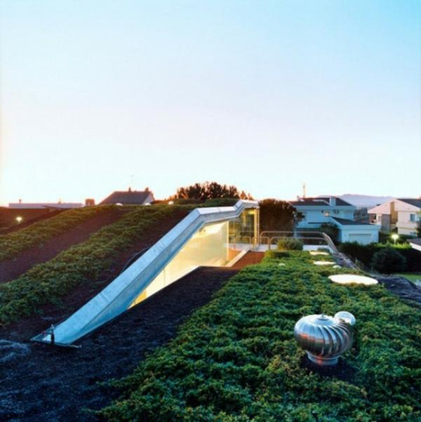 plantes-artificielles-un-jardin-sur-toit-jardin-artificiel