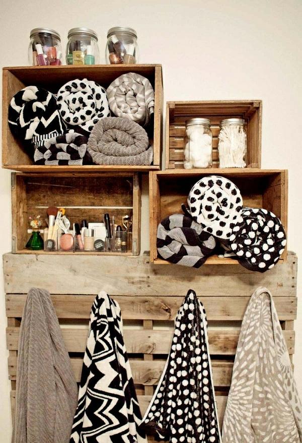 porte-serviette-de-salle-de-bain-casiers-en-bois