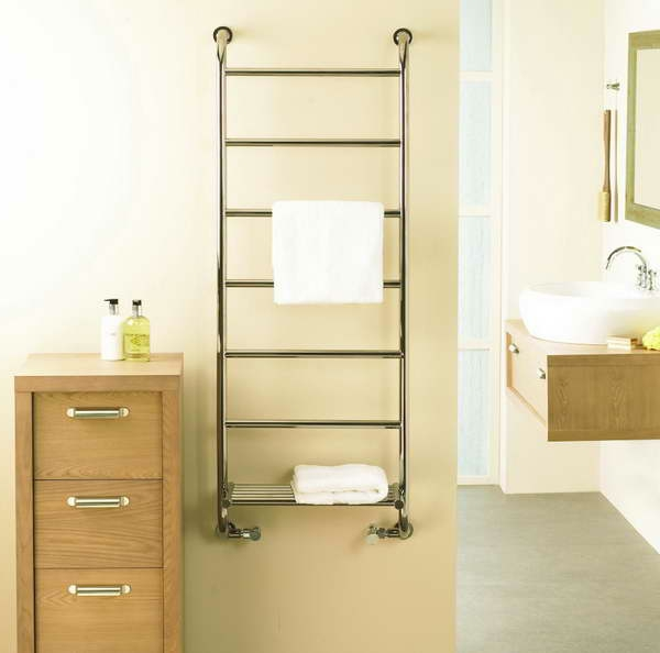 Le porte serviette de salle de bain for Porte serviette en bois