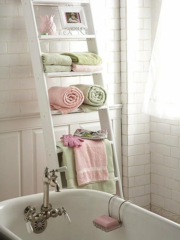porte-serviette-de-salle-de-bain-jolie-échelle-blanche