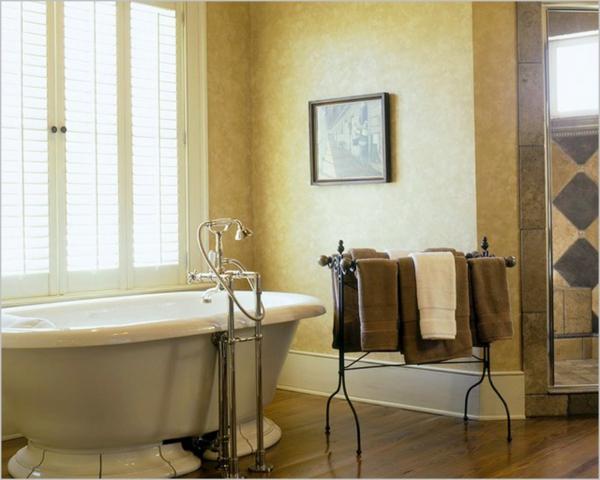 porte-serviette-de-salle-de-bain-porte-serviette-sur-pied