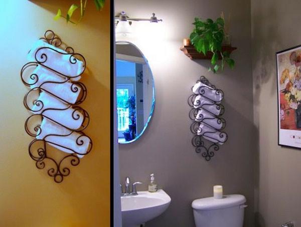 porte-serviette-de-salle-de-bain-rzngement-mural-en-fer-forgé-et-serviettes-blanches
