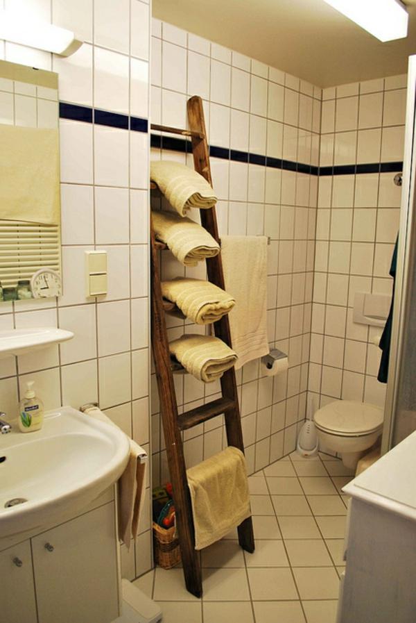 porte-serviette-de-salle-de-bain-un-porte-serviette-échelle