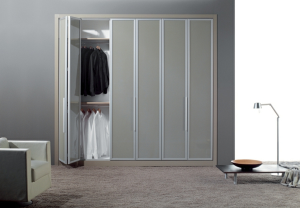 Les portes de placard pliantes pour un rangement joli et for Porte accordeon sur mesure