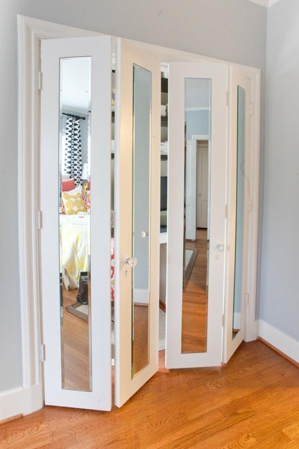 Les portes de placard pliantes pour un rangement joli et for Porte placard miroir